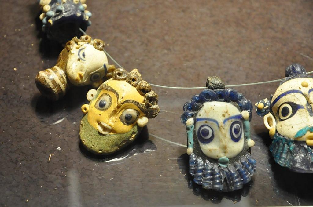 Collana di amuleti di età punica